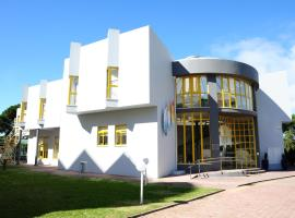 A picture of the hotel: Caparica Sun Centre