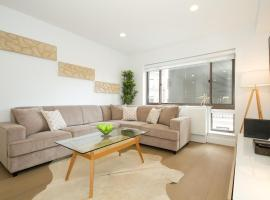 Luxury Two Bedroom Apartment - Midtown West 7G,