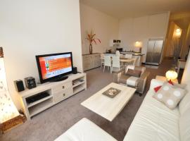 Hotel photo: Camperdown Self-Contained Modern Two-Bedroom Apartment (517MIS)