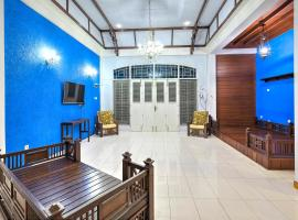 Hotel Photo: Riverside Hostel Padang