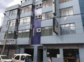 Hotel Photo: Hostal Karlo's