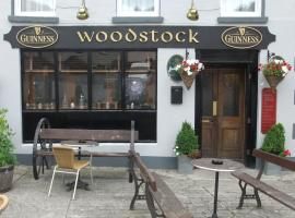 A picture of the hotel: Woodstock Arms