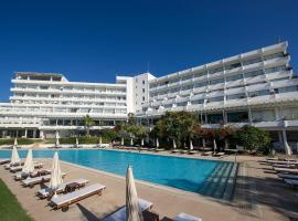 Hotel Photo: Grecian Sands Hotel