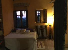 Hotel Photo: The Romantic Tuscany Loft
