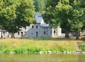 Hotel Photo: Holiday home Au Bord De L Eau 1