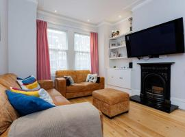 Veeve - Wimbledon Family Home for 6 London United Kingdom