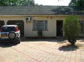 Hotel Photo: Tlokweng Holiday Home