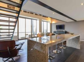 Luxury NYC Loft - Middle of Chapel St + Parking,