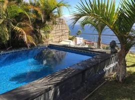 Hotel Photo: Chalet Con Vistas Y Piscina Privada
