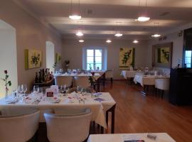 Hotel Photo: Schloss-Hotel Wartensee