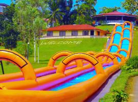 Hotel Photo: Caliraya Resort Club