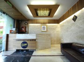 Hotel Photo: OYO Premium Bopal SG Highway(AHM187)