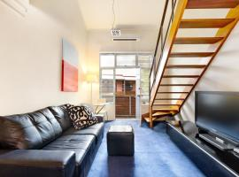 Paddington Self-Contained Modern One-Bedroom Apartment (25OX,