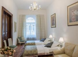 A picture of the hotel: Charles Bridge 3 Bedroom Apartments