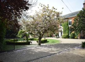 Hotel Photo: Glendower Guesthouse and Apartments