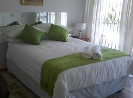 Hotel Photo: African Fish Eagle T/A Crayfish Quarters B&B