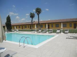 A picture of the hotel: Agriturismo Le Case Di Campagna