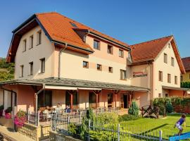 Hotel Photo: Penzion Krumlov - B&B Hotel