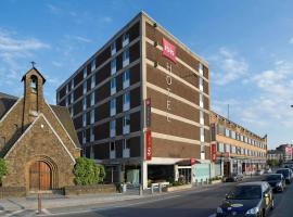 Hotel photo: ibis Mons Centre Gare