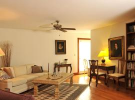 Hotel Photo: Southern Palm Bed & Breakfast