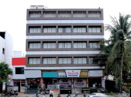 A picture of the hotel: OYO 1959 Hotel Raj