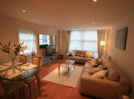 Hotel Photo: Newly Refurbished Modern Quayside Apartment