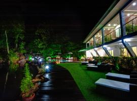 Hotel photo: Tatai Hotel Resort & Marina