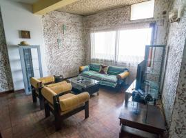 Hotel photo: Apartment with services in 24 de Julho