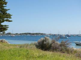 Hotel Photo: BnB By the Sea Rockingham