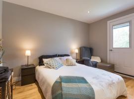 Hotel Photo: Newly Renovated GORGEOUS 3BR Townhouse w/ Parking