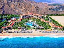 Hotel photo: Fujairah Rotana Resort & Spa - Al Aqah Beach