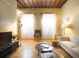 APARTMENT NEAR S.M.N. TRAIN STATION Florence Italia