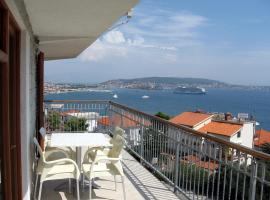 Hotel photo: Apartment with splendid sea view