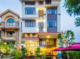 Hotel Photo: La Maison Da Nang Beach