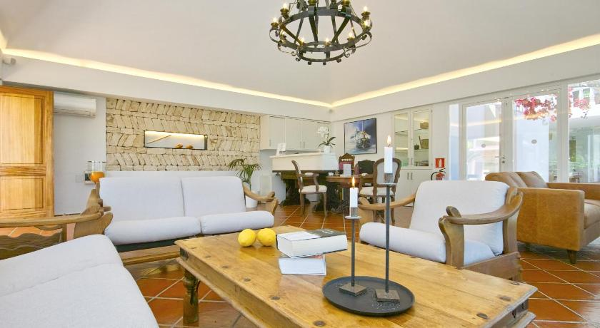 Best time to travel Ibiza Hotel Rural Can Maries