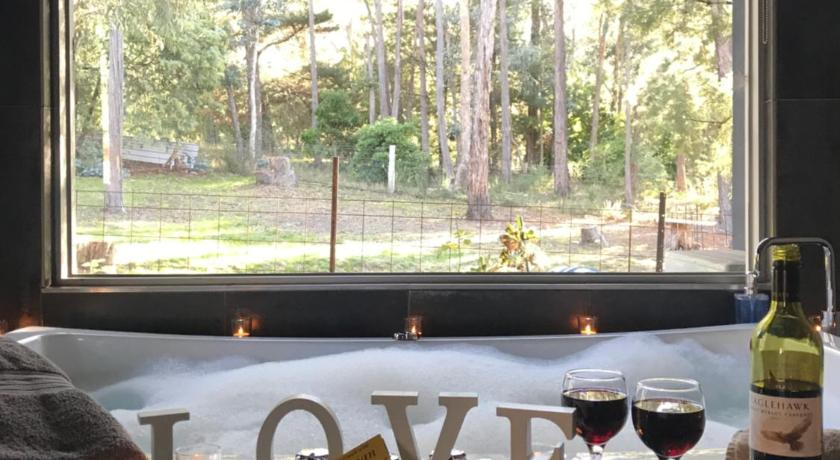 Best time to travel Australia Spa Suites at RAVEN