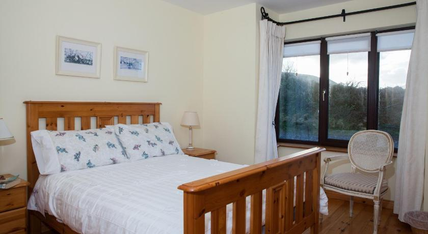 Best time to travel Dingle Fort Farmhouse B&B
