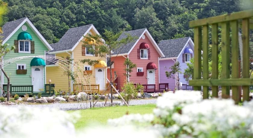 Best time to travel Jeongseon County Morebul Pension