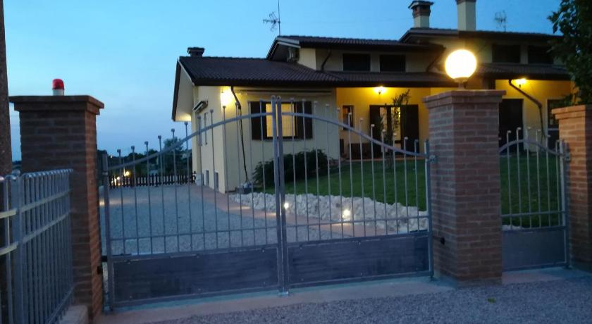 Best time to travel Italy Mon Refuge Villa Deluxe