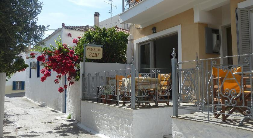 Best time to travel Peristeri Zoe Pension