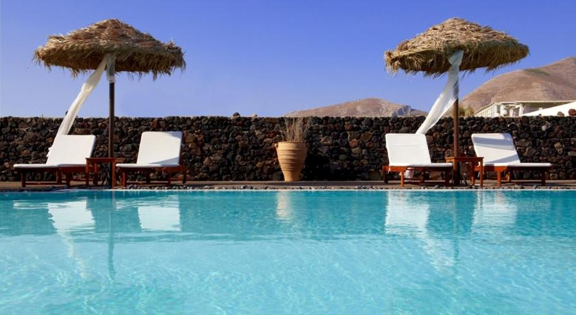 Best time to travel Santorini Anna Traditional Apartments
