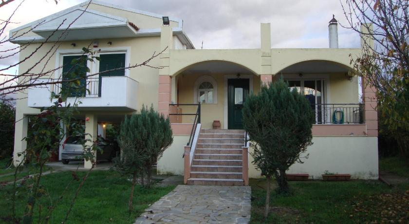 Best time to travel Greece Villa Panos