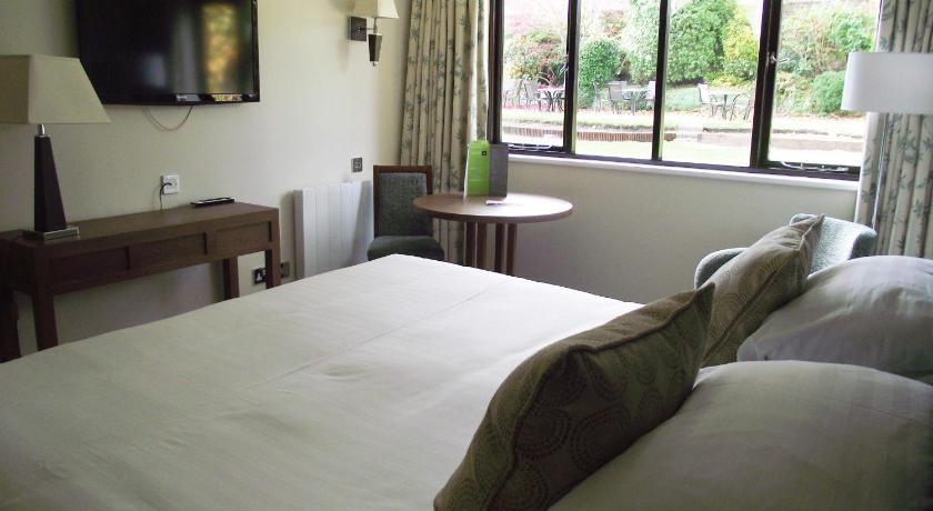 Best time to travel United Kingdom Winchester Royal Hotel