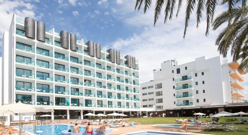 Best time to travel Majorca Hotel Luxor