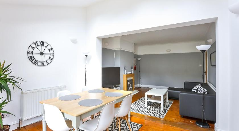 Best time to travel London Tyben Self Catering House