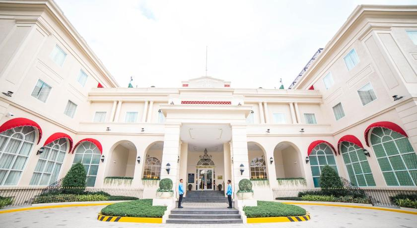 Best time to travel Philippines Rizal Park Hotel