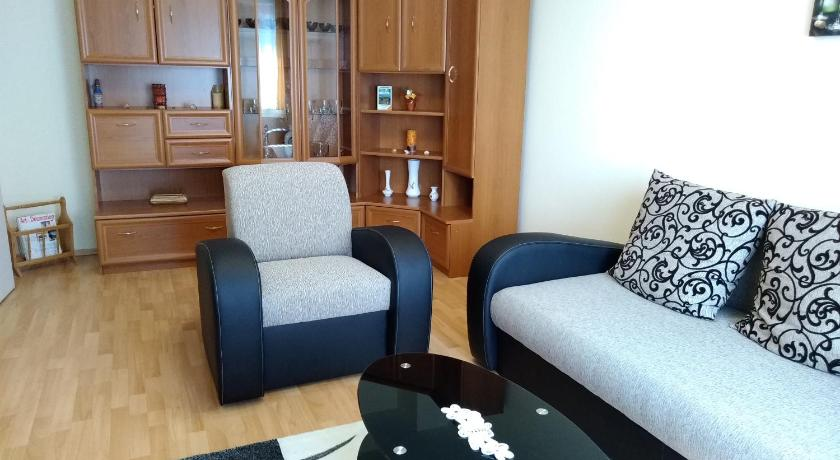 Best time to travel Hungary Apartment Solymosi-Barta