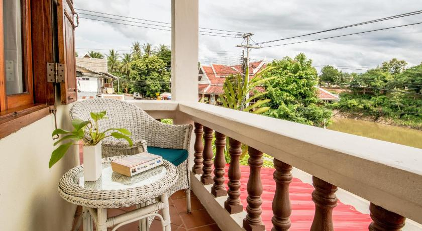 Best time to travel Laos Hotel Villa Deux Rivieres