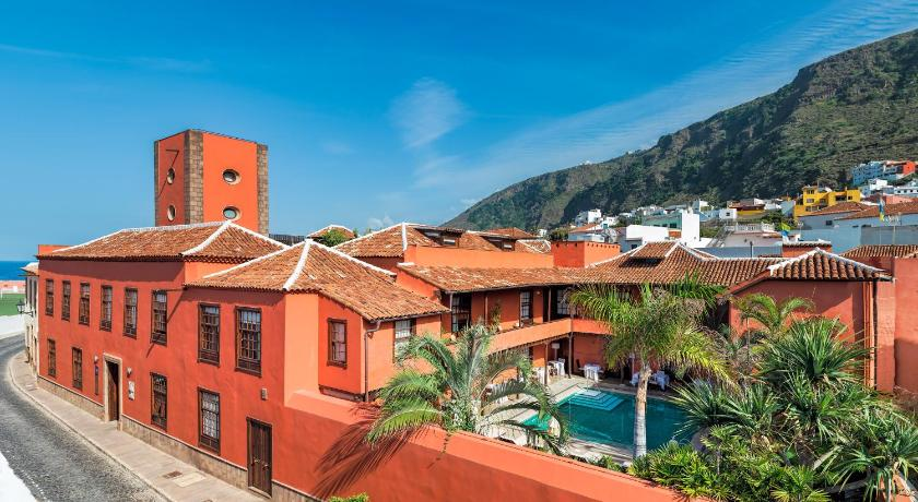 Best time to travel Buenavista del Norte Hotel San Roque
