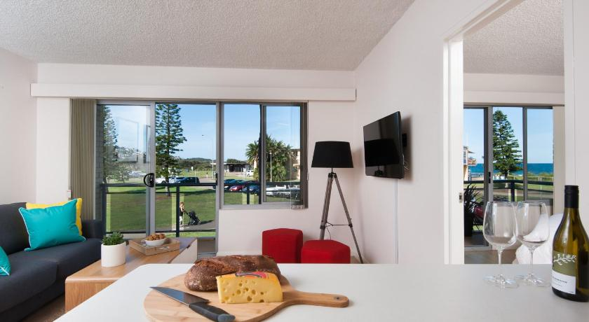 Best time to travel Australia Waterview Beach Apartment